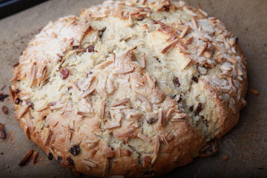 Osterbrot/Osterfladen frisch gebacken