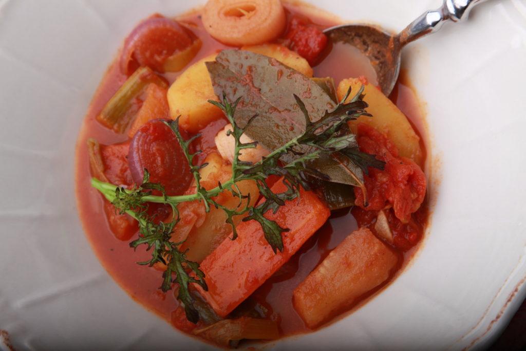 Stifado mit Gemüse, vegetarisch